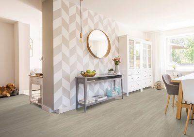 Laminate floors in Dining Room